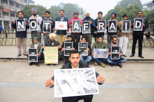 """""""Aawaaz"""" a city based NGO paid its tributes to the journalists gunned down by the terrorist in Paris"""