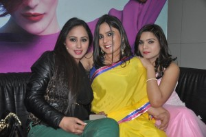 Tressed Up holds session on Trends in Beauty Industry actress Razia Sukhbir addresses trainees