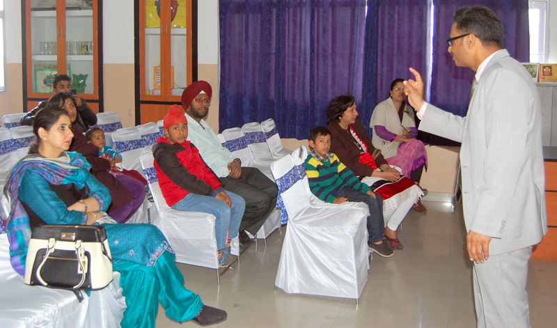Dilbagh-Singh-had-a-counseling-session-with-parents--at-Shemrock-Senior-Sec.-School