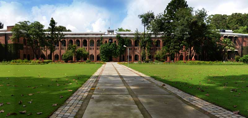 Doon-School-Main-Building_South-Garden
