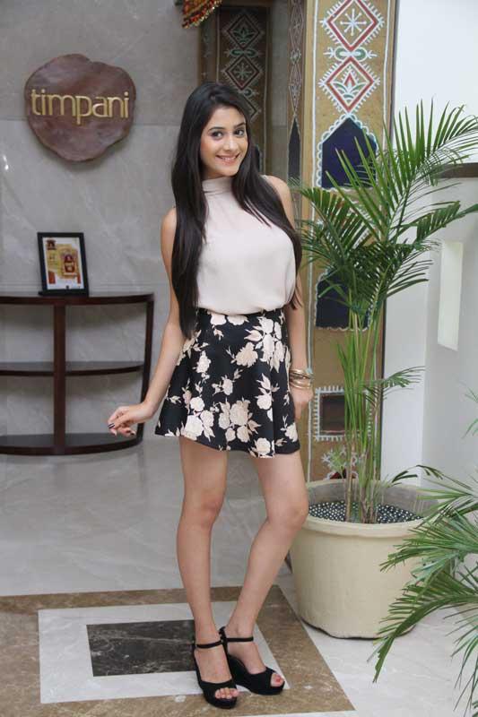 Hiba-Nawab-plays-Amaya-Mathur-in-Tere-Sheher-Mein