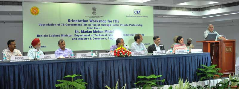 Mr-Madan-M-Mittal,-Minister-of-Technical-Education-and-Industry-&-Commerce,-Punjab-addressing-an-Orientation-Workshop-organised-by-Confederation-of-Indian-Industry-(CII)-and-Govt-of-Punjab-at-CII-NR-headquarters-in-sec