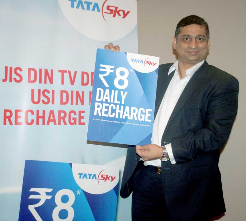 Mr.-Malay-Dikshit,-Chief-Communications-Officer,Tata-Sky-introduces-the-world's-first-'Daily-Recharge'-voucher-in-Chandigarh-Today