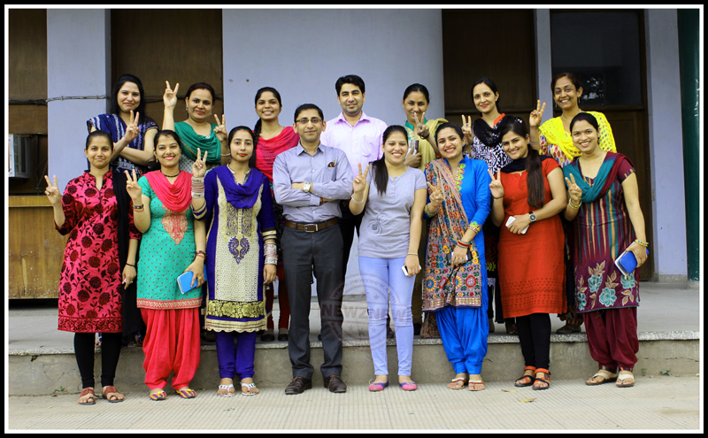 STUDENTS-CELEBRATING-SUCCESS-IN-SECOTR--15-AT-AAA-BRIGHT-ACADEMY-WITH-THEIR-TEACHERS