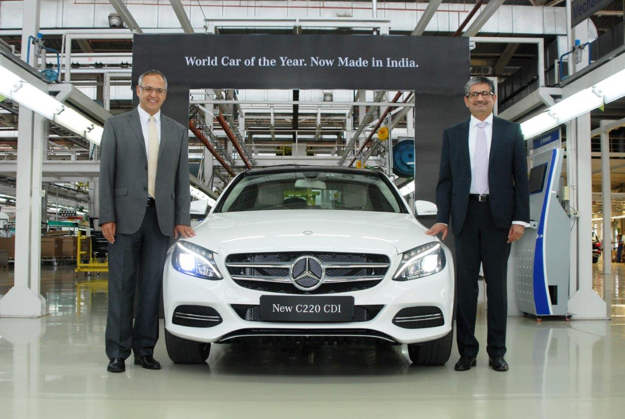 3. Mr. Eberhard Kern (left), Managing Director & CEO, Mercedes-Benz India and Mr. Piyush Arora (right), Executive Director, Operations, Mercedes-Benz India. with the new locally produced  Mercedes-Benz C 220 CDI