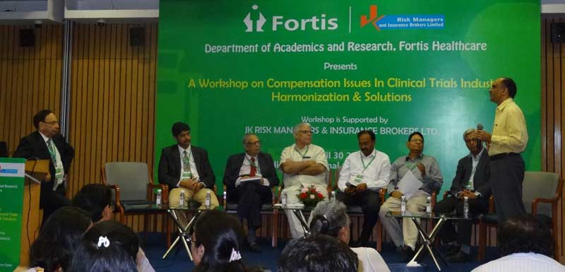 Dr-Upendra-Kaul-moderating-the-pannel-discussion