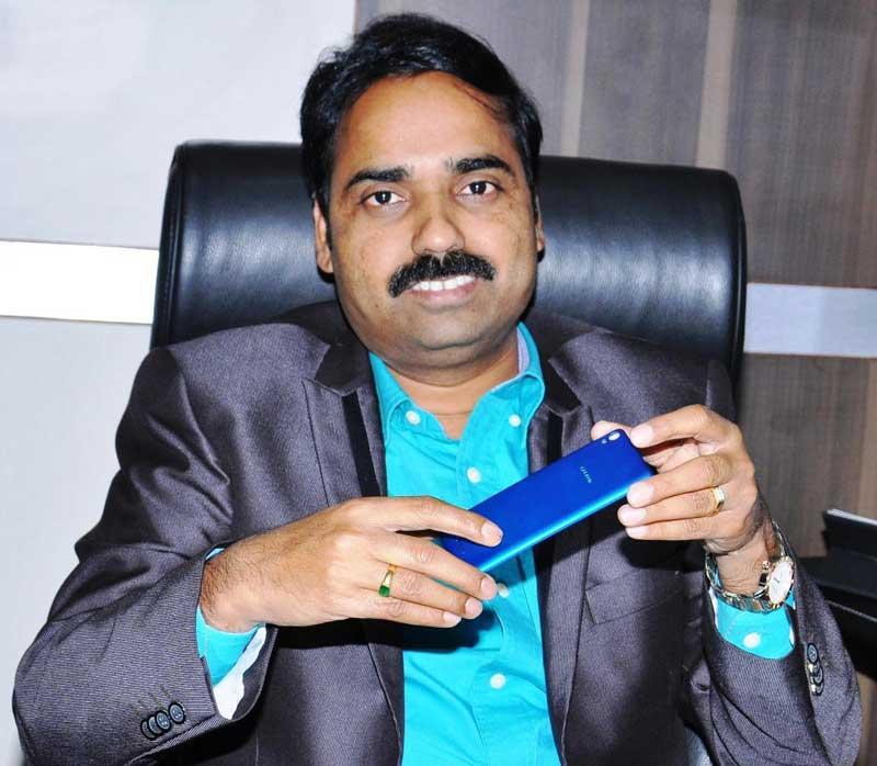 Mr.-Y-GURU,-Chairman-and-Managing-Director-Celkon-Mobiles