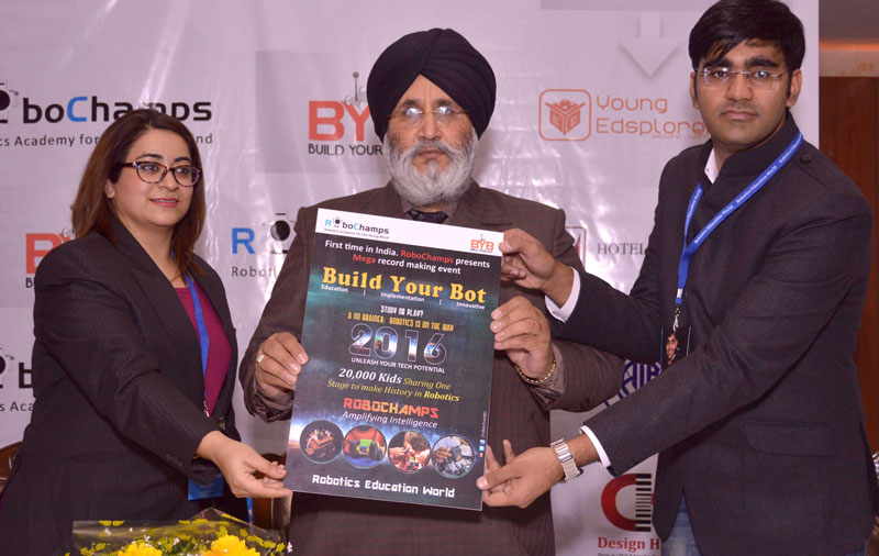 Daljit-Singh-Cheema,-Punjab-Education-Minister-releasing-the-event-poster-on-Tuesday-at-Hotel-Mountview.-Also-seen-in-the-picture-are-Akshay-Ahuja-and--Shikha-Agnihotri-(3)