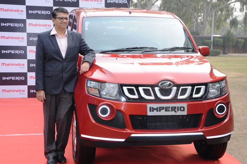 Mr-Mahesh-Kulkarni-Vice-President-Commercial-Brands-Marketing-during-the-launch-of-Mahindra's-New-Premium-Pick-Up-Imperio-at-Hotel-Taj,-Chandigarh.