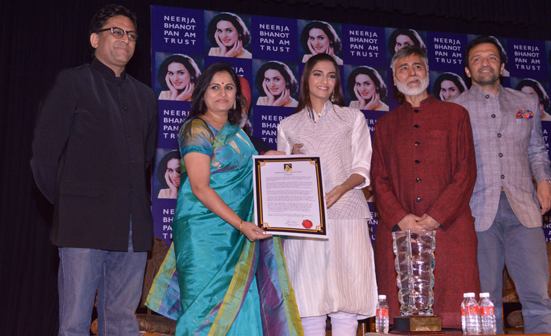 Neerja-Bhanot-Awards2