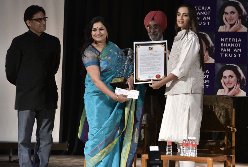 Neerja-Bhanot-Awards4