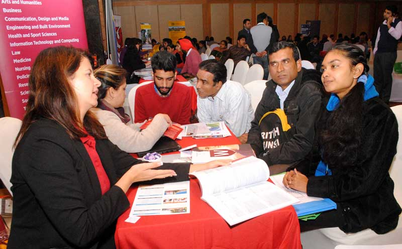 Pic2-Students-interacted-with-various-Australian-institutions-under-one-roof-on-28th-January-2016-at-Hotel-Taj-Chandigarh