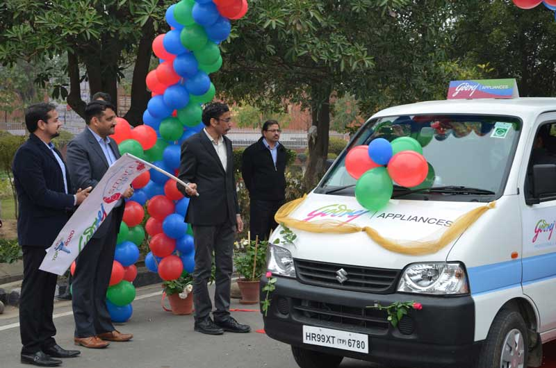 Third-from-Left-Mr-Ravi-Bhat-National-Service-Head-Godrej-Appliances-during-flagging-off-of-Godrej-Appliances-'Smart-Mobile-Service-Van'-at-Mohali-Plant