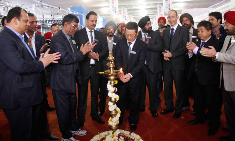 Mr.-Franksun---Chairman-Ningbo-Cixing-Co.-Ltd,-China-innaugurating-GMMSA-EXPO-INDIA-2016-in-Ludhiana-(1)