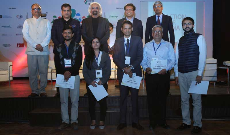 Sam-Pitroda-with-other-dignitaries-and-the-winners-of-Silicon-Valley-Challenge