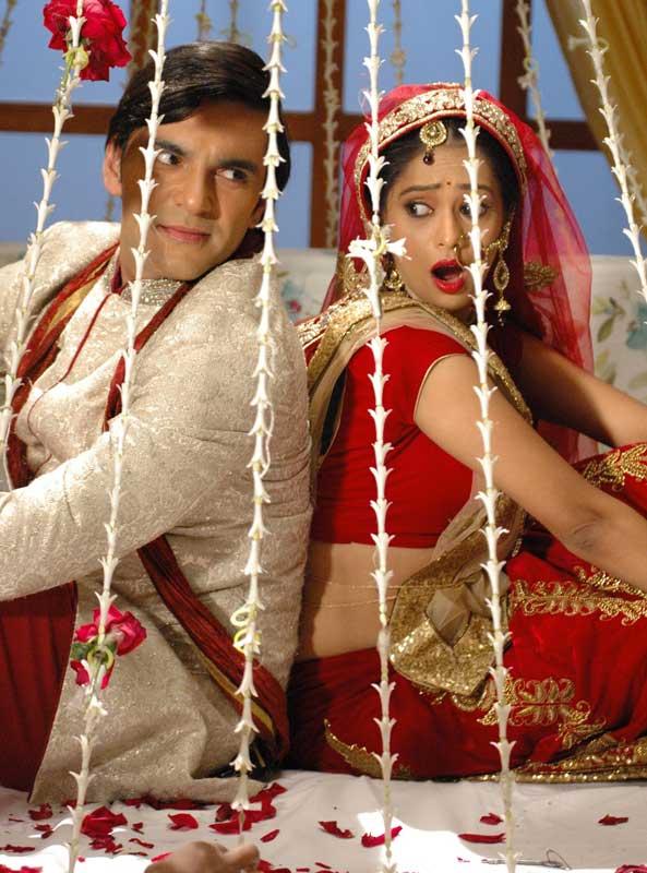 Vinod-and-Anisha-in-SAB-TV's-Sahib-Biwi-Aur-Boss-1