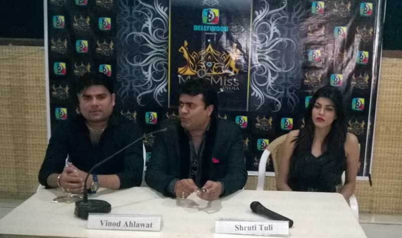 Aditya-Guglani,-Vinod-Ahlawat-&-Shruti-Tuli-at-Chandigarh-Press-Club