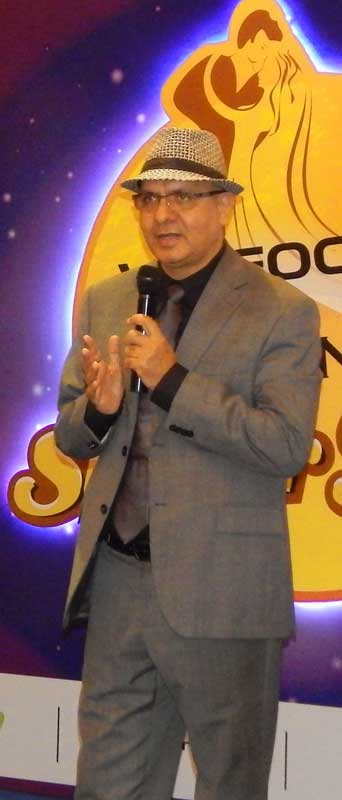 Mr.-Arvind-Bali,-Director-and-CEO,-Connect-Broadband-&-Videocon-Telecommunications-Limited-during-Super-Jodi-Season-4-launch