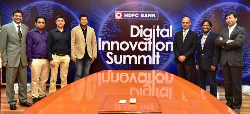 Mr.-Nitin-Chugh,-Country-Head---Digital-Banking-(3rd-from-Right)-with-the_-winners-of-the-Digital-Innovation-Summit.