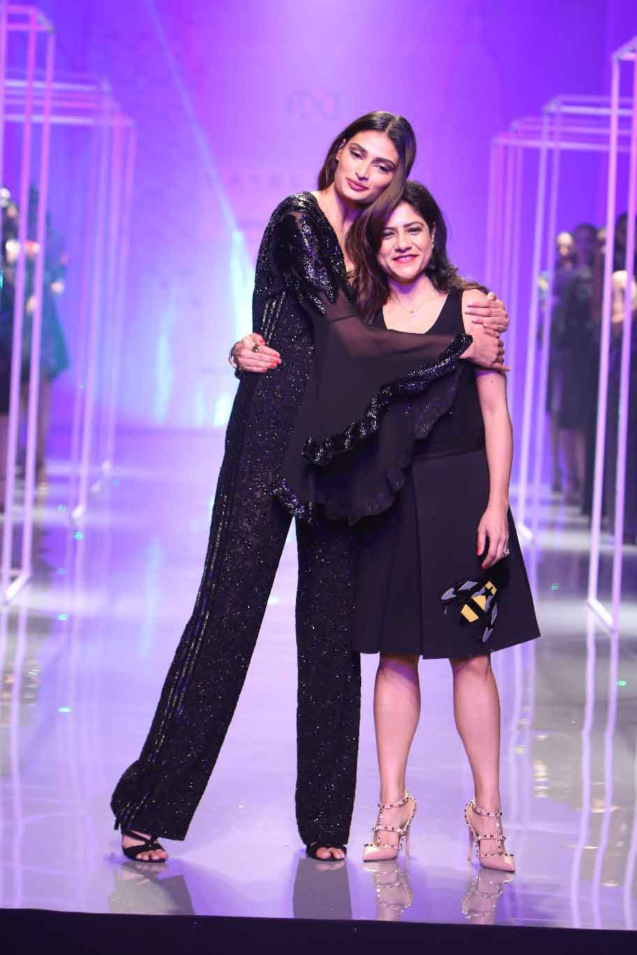 Athiya Shetty as showstopper for Maybelline New York presents Namrata Joshipura 2