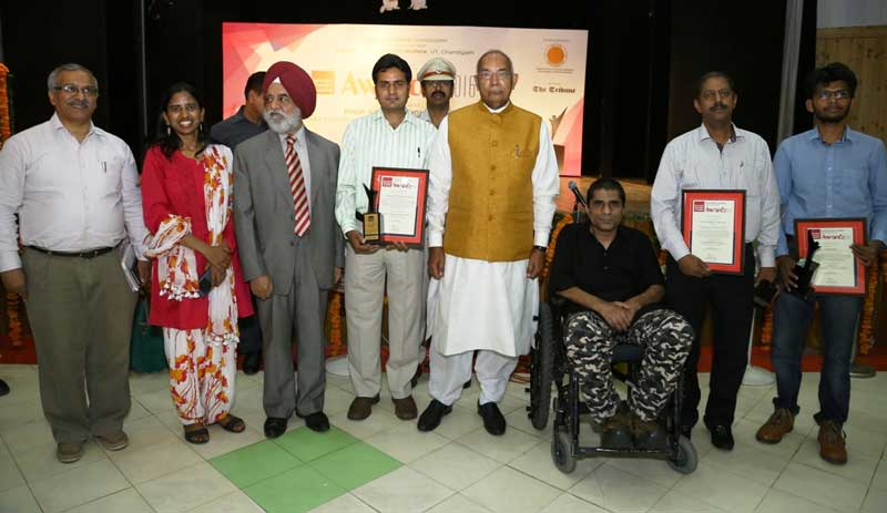 Governor-with-Awardees