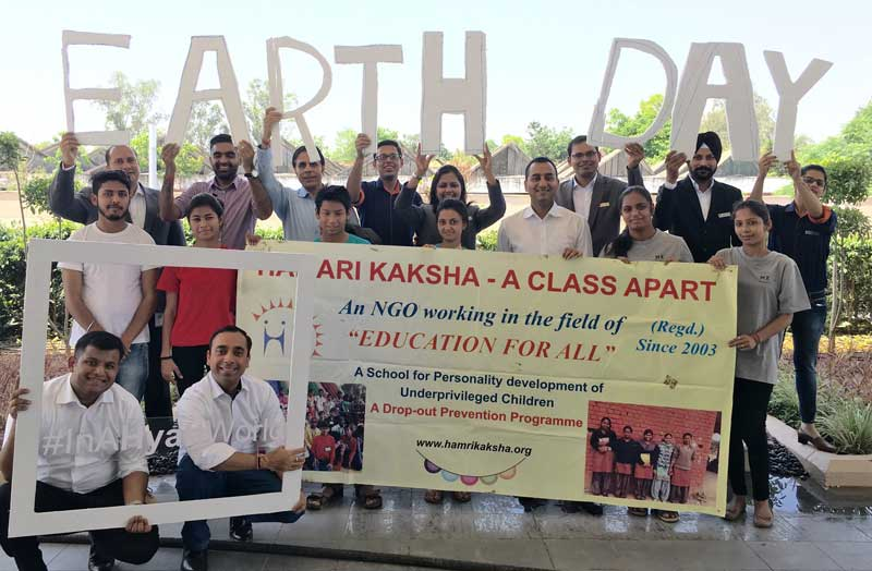 Hyatt-Regency-Chandigarh-staff-along-with-children-of-'Hamari-Kaksha'-celebrating-Earth-Day-2016