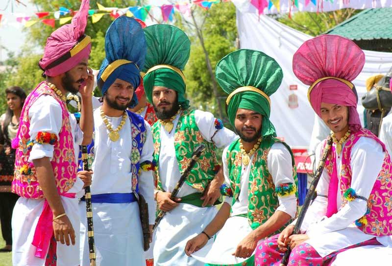 Traditional-fervor-marks-Baisakhi-celebrations-at-CGC-Jhanjeri-5