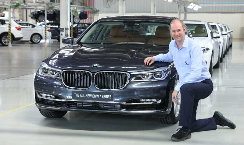 Dr.-Stallkamp,-MD---BMW-Plant-Chennai-with-the-50,000th-car