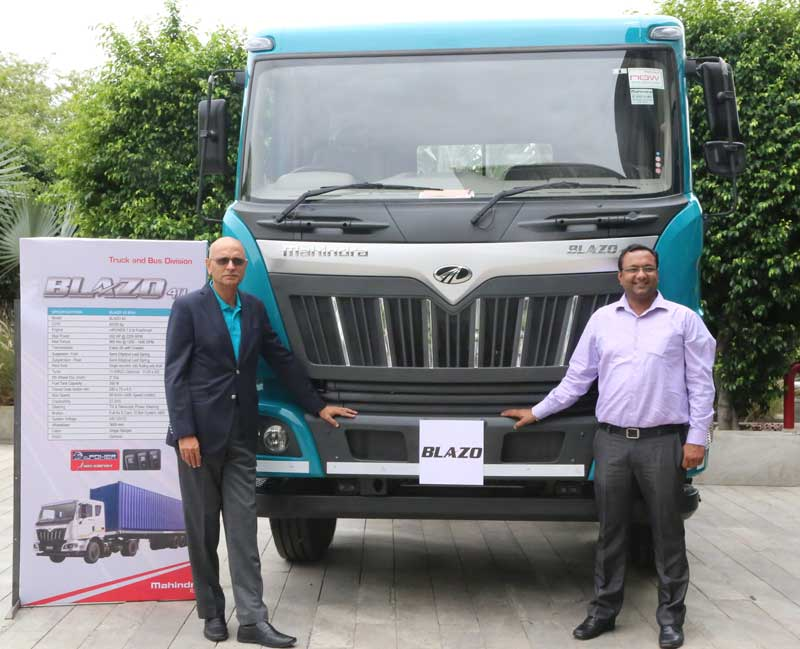 L-R-Mr-Nalin-Mehta,-Managing-Director-&-CEO-Mahindra-Truck-And-Bus-Division-along-with-Mr-Raman-Gupta,-Zonal-Head--North-1-during-the-launch-of-New-HCV-Truck-Series,-'BLAZO'-at-Hotel-JW-Marriott-on-Tuesday
