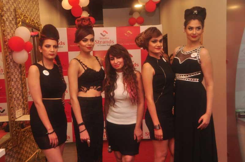 Strands-fashion-show-pic