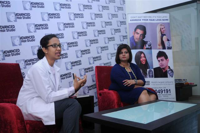 Dr.Mandeep, AHS Trichologist and Hina, Studio Manager AHS addressing media in Ludhiana (2) (Small)