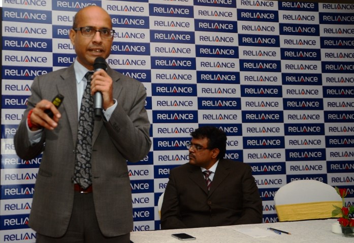 (L-R) Manoranjan Sahoo, Chief Agency Officer, Reliance Nippon Life Insurance Company and Mr. Sharad Goel, Chief Communications officer, Reliance Capital Ltd. (Small)