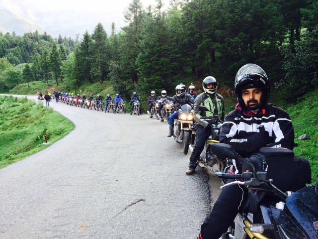 Mahindra Mojo 'Mountain Trail' with Rannvijay Singh (Small)
