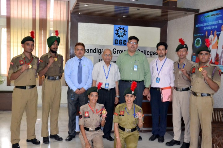 Dr. G. D Bansal, Director General CGC Group & staff with NCC students copy (Small)