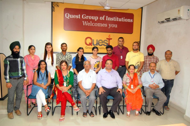 Vice Chairman Harinder Kanda with Merit students of Quest Group of Institutions copy (Small)