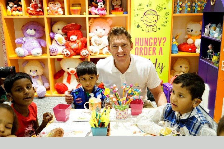brett-lee-interacting-with-cochlear-implant-recipients-during-his-past-visits-to-india-small