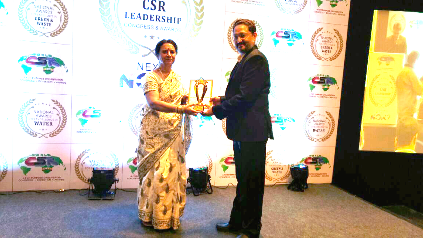 Dr. Ashutosh Mulye, CSR Coordinator, Finolex Industries Ltd. receiving the Water Company of the year Award by National CSR Leadership Congress (Small)
