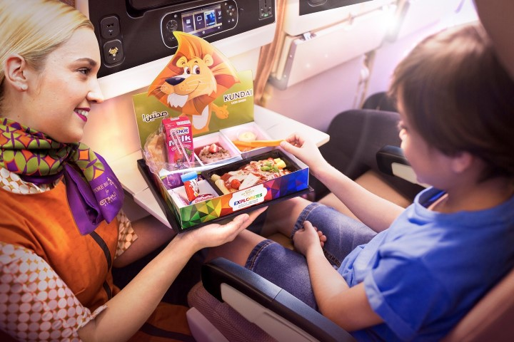 kids-pack-with-flying-nanny-1-small