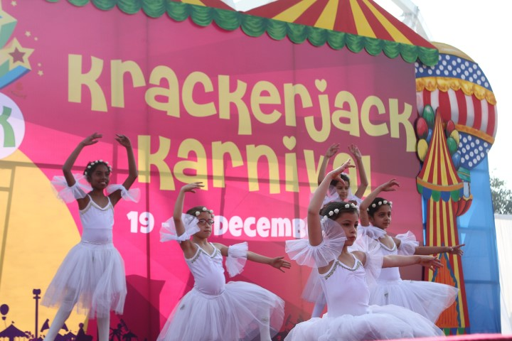kids-perform-ballet-at-the-stage-arena-small