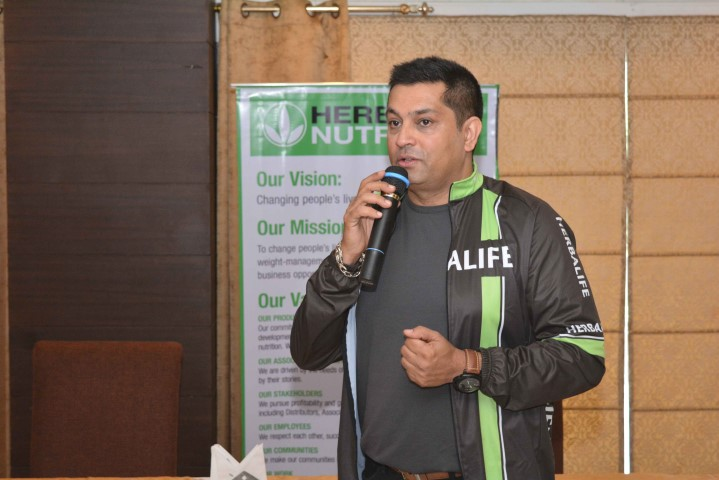 Mr Ajay Khanna – Vice President and General Manager, Herbalife International India addressing media in Ludhiana on Wednesday (1) (Small)