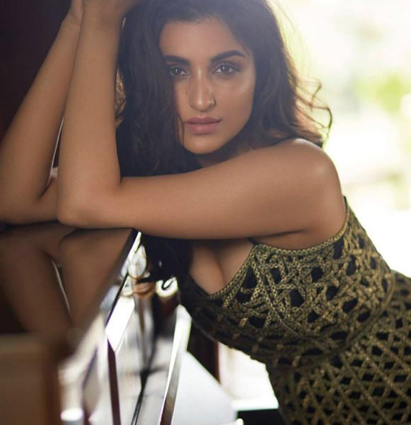 Parineeti-Chopra's-pics-from-a-latest-magazine-photoshoot-5