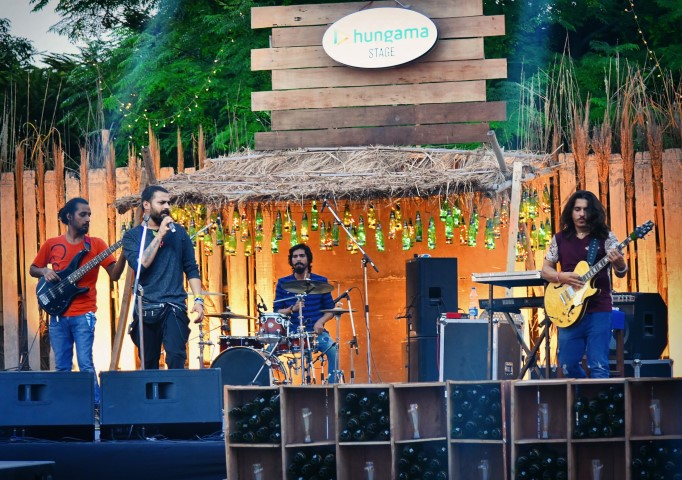 pic-2-caption-artists-performing-at-lager-and-barrel-festival-small