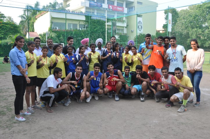 WINNING JUNIOR NET BALL GIRLS (GMGSSS -20)& BOYS TEAM(KHALSA CLUB) 1 (Small)