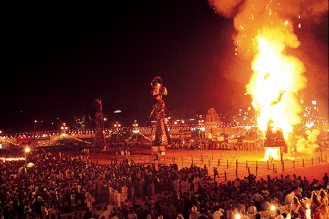 happy-dussehra-ravan-fireworks