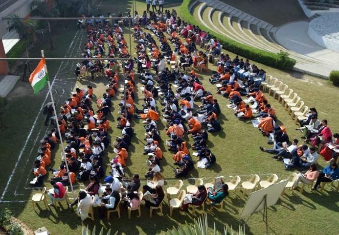 oakridge-international-school-organized-a-seminar-on-the-importance-of-reading-books-small