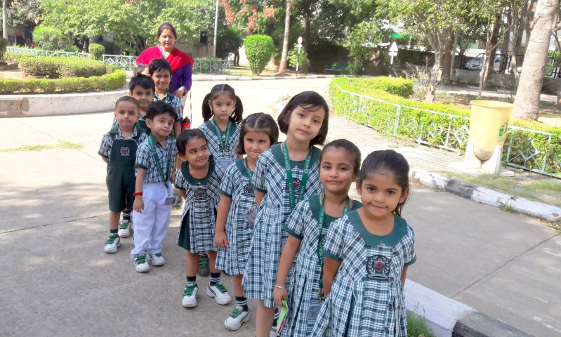 students-of-dps-world-school-sanauli-zirakpur-visited-traffic-park-panchkula-to-learn-basic-rules-of-the-road-copy-small