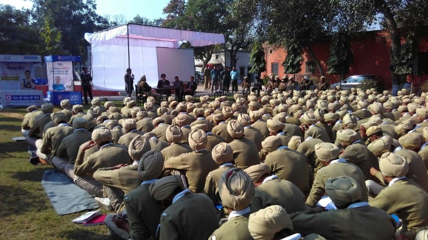 hdfc-bank-to-organize-digital-literacy-camps-for-punjab-police-small