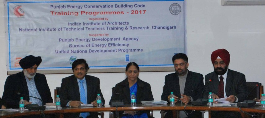 2_l-r_engineer-balkar-singh-dr-sanjay-sharma-dr-pk-tulsi-architect-surinder-bahga-architect-pps-ahluwalia-small