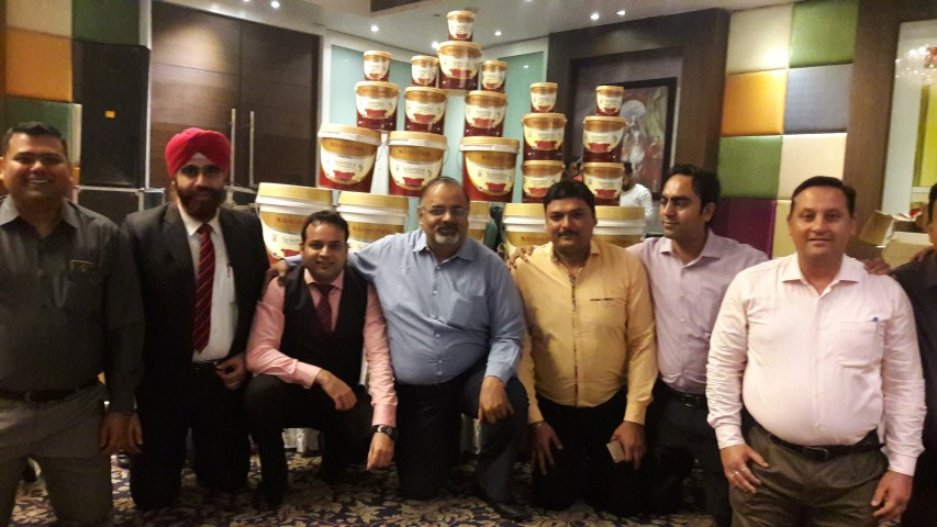 British Paints Grand Launch of SPLENDOR LUXURY INTERIOR EMULSION  (1) (Small)
