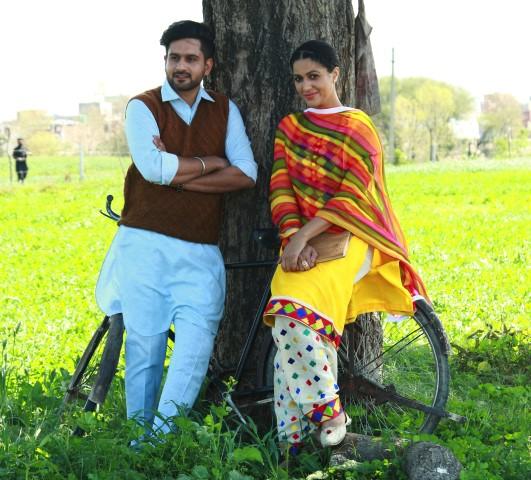 Jonita Doda & Arshdeep Singh (Small)